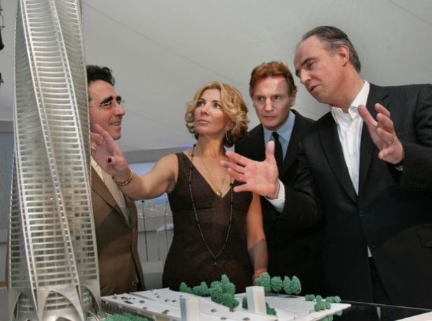Actor Liam Neeson and his late wife Natasha Richardson (centre), architect Santiago Calatrava (left), and Garrett Kelleher attend a launch event to promote sales in The Chicago Spire in January 2008. Photograph: Matt Kavanagh