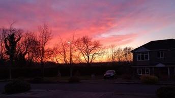 Coucher de soleil sur Co Cavan vendredi. Photographie: Niall Brady