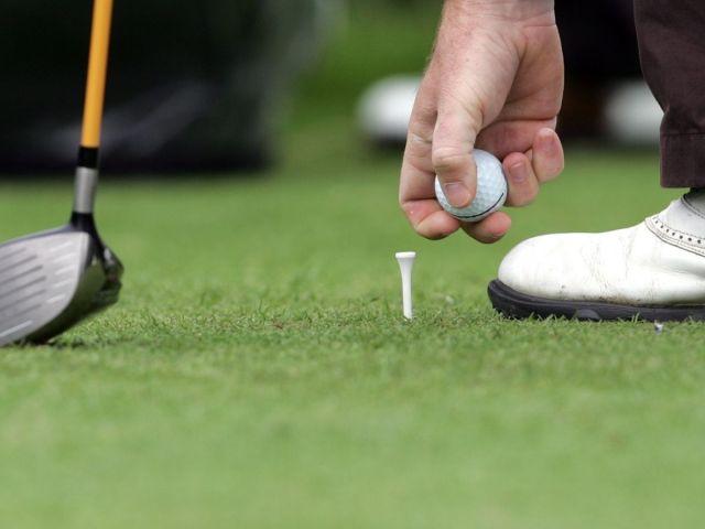 Gui And Ilgu Call On All Golf Clubs