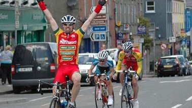 Martin O'Loughlin getting the better of a teenage Sam Bennett and Tim O'Regan to win the Carrick Cup in Carrickmacross, Co Monaghan in May 2007.