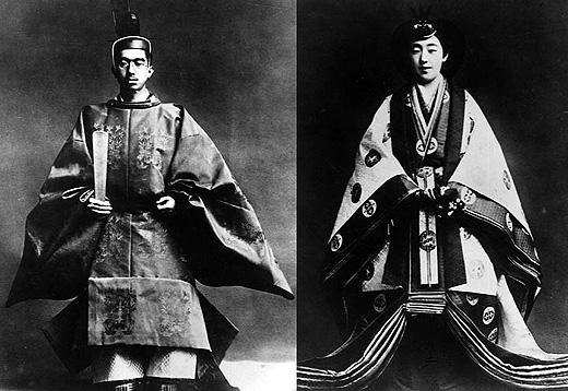 L'imperatore Hiroito e l'imperatrice Nagako alla cerimonia di incoronazione nel 1926