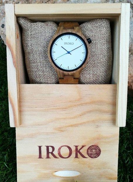 reloj de madera Terral Iroko en caja