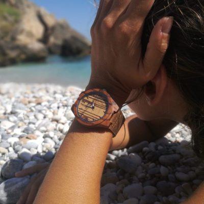 reloj de madera para mujeres