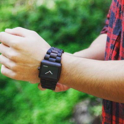reloj pulsera de madera hombre
