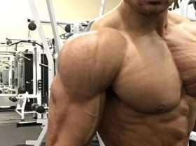 broad-shoulders