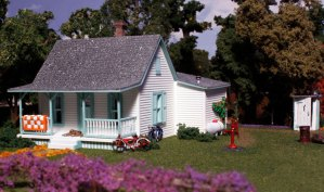 Woodland Scenics HO Country Cottage Kit PF5186