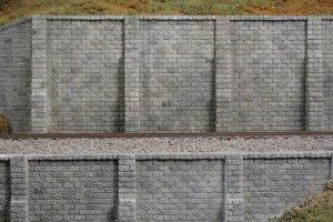 Monroe Models HO Retaining Wall Cut Stone (2 pcs) 106