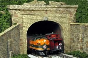 Monroe Models N Scale Tunnel Portal Random Stone Double Track 213