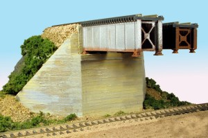 Monroe Models HO Bridge Abutment Board Formed Concrete Double Track (2 pcs) 138