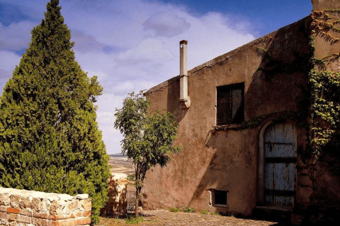 borgo castello calitri Luoghi da visitare in Alta Irpinia