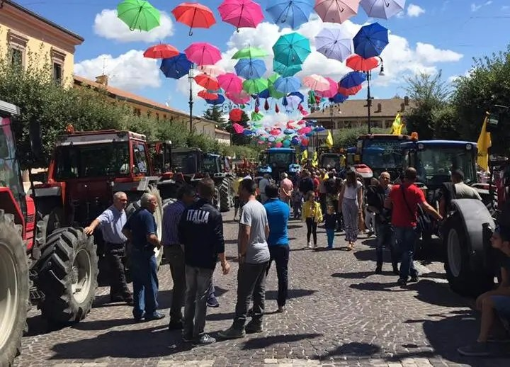 FESTA DELLA TREBBIATURA_PIAZZA DE SANCTIS_ SANT'ANGELO DEI LOMBARDI