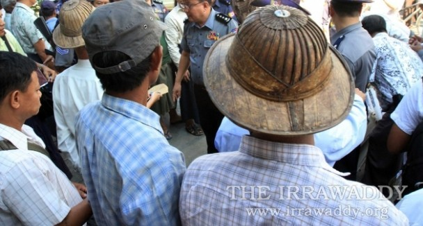 Burmese farmers protest the confiscation of their land at a rally in downtown Rangoon on Oct. 27, 2011. (Photo: The Irrawaddy)