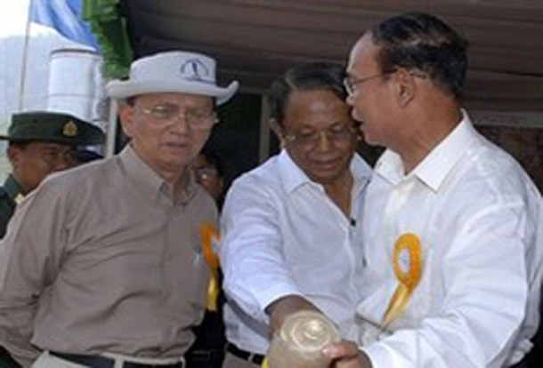 Burma's President Thein Sein, left, talks with Aung Thaung, center, and Rangoon's former mayor Aung Thein Lin in Mandalay in 2010. Aung Thaung is a former general and industry minister turned lawmaker with close connections to the president and former dictator Than Shwe. (Photo: The Associated Press)
