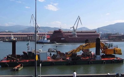 Botadura en La Naval del último barco en construcción