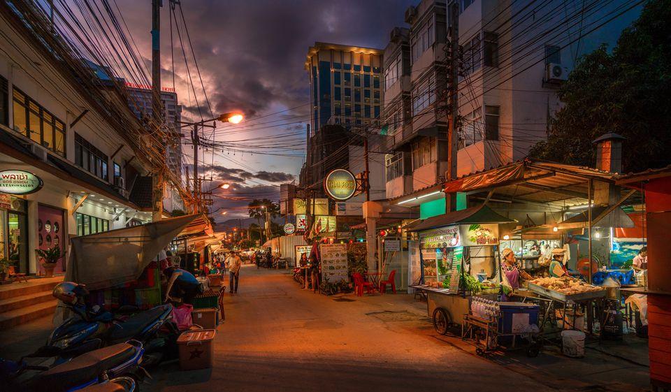 Bangkok-Streets-and-Street-Foods