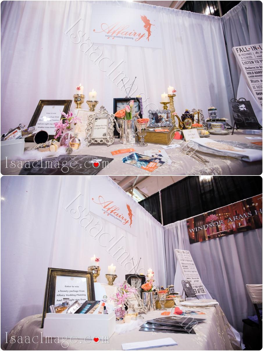 _IIX2504_canadas bridal show isaacimage.jpg
