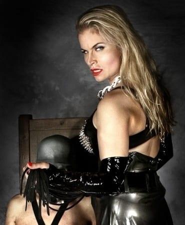 Syonera von Styx - BDSM Bild des Tages