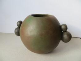 Vase Boule / Terre patinée / L 21 x H 13