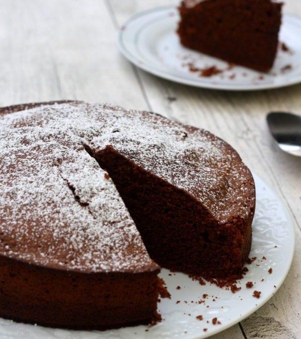 manger un bon gâteau au chocolat sain
