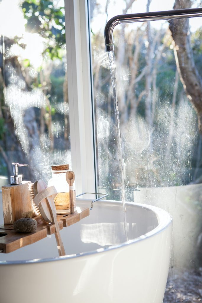 une salle de bain pour une journée cocooning parfaite