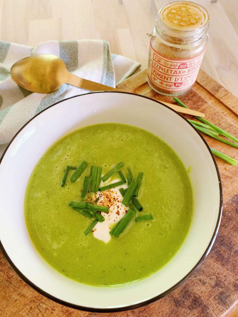 recette légère d'été soupe de courgettes et petits pois