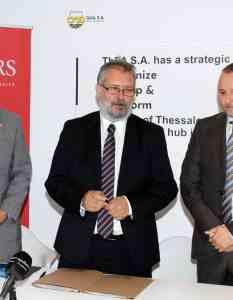 (A-Δ): o Γενικός Πρόξενος των ΗΠΑ στη Θεσσαλονίκη, κ. Gregory W. Pfleger, ο Πρόεδρος του ΔΣ και Διευθύνων Σύμβουλος της ΟΛΘ ΑΕ, κ. Σωτήριος Θεοφάνης και ο Διευθυντής του Κέντρου Προηγμένων Υποδομών και Μεταφορών του Πανεπιστημίου Rutgers, Dr. Ali Maher