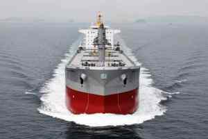 Μία νέα υβριδική λύση για φορτηγά πλοία