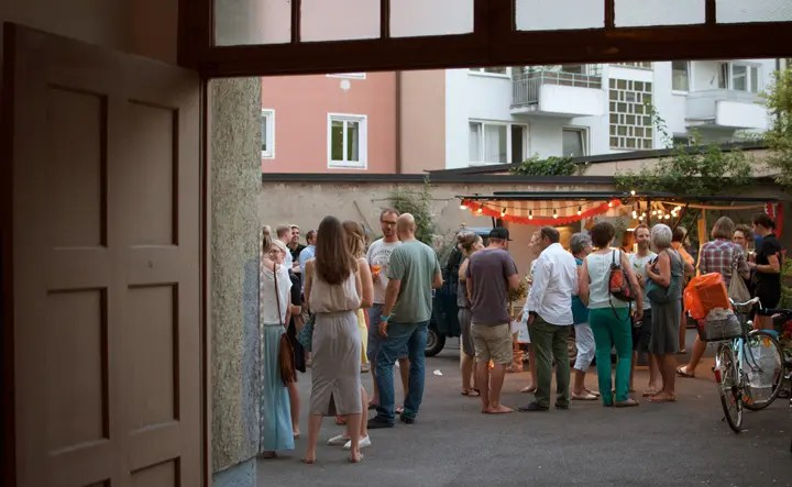 Tolle Stimmung bei der Einweihung der Streetfood Ape /Foto: Monika Schreiner