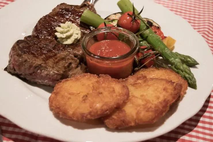 Abendessen im Gasthaus Hirschbichler Inzell | Foto: Monika Schreiner ISARBLOG