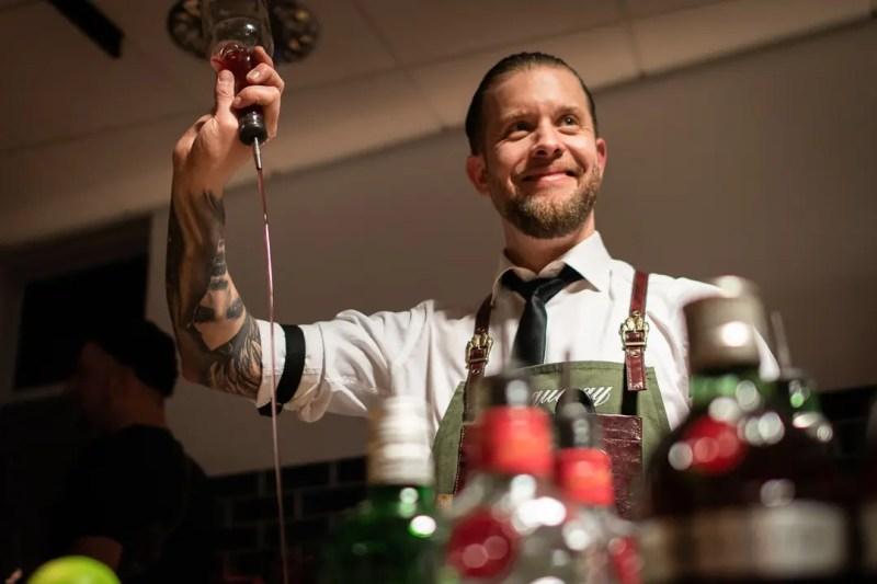 Brand Ambassador Frank Thelen bei der Eröffnung der Contemporary Bar