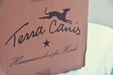 Das Testpaket von Terra Canis wartet darauf geöffnet zu werden