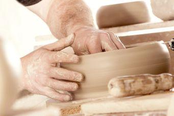TREUSINN-Produkte werden in 12 Werkstätten für Menschen mit Handicap aus ganz Deutschland in Handarbeit hergestellt. Foto: Ⓒ TREUSINN