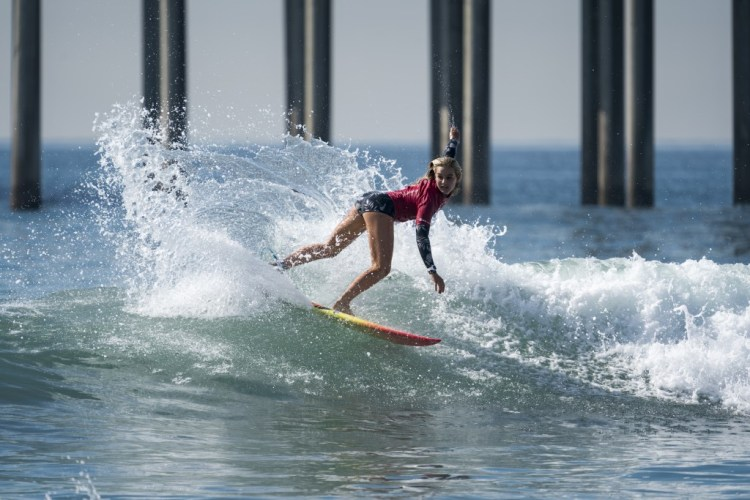 Sam Sibley de Estados Unidos fue eliminada de la competencia individual, pero eso no la detuvo para llevar a su nación al Oro en el Aloha Cup. Foto ISA / Ben Reed