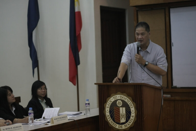 Dean Tony La Viña of ASoG  welcomes the participants to the forum launch and dialogue.