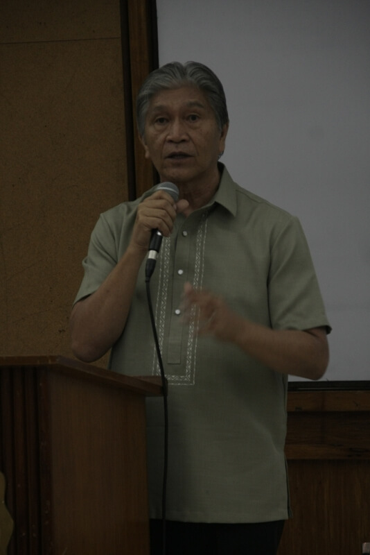 Department of Agriculture Representative Edicio dela Torre makes a presentation entitled Agri-Pinoy 2012, Continuity and Change, and explains possible areas of cooperation with social enterprises.