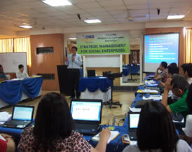 Prof. Ronald Chua of the Asian Institute of Management provides the opening lecture on Social Enterprise Strategic Marketing where the poor, as primary stakeholders, may be playing the role of producers or customers.