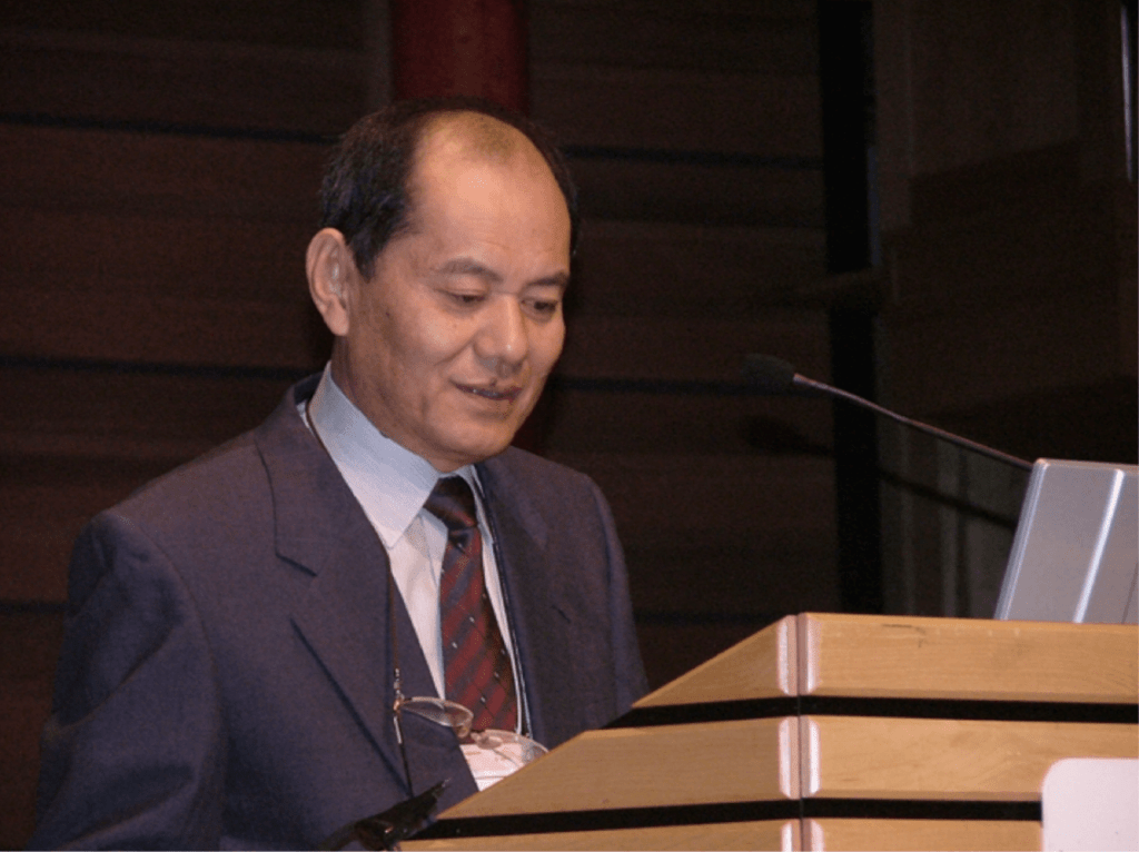 Professor Yoshitaka Nagahama delivering the 2d R.E. Peter lecture on the occasion of the 6th ISFE in Calgary