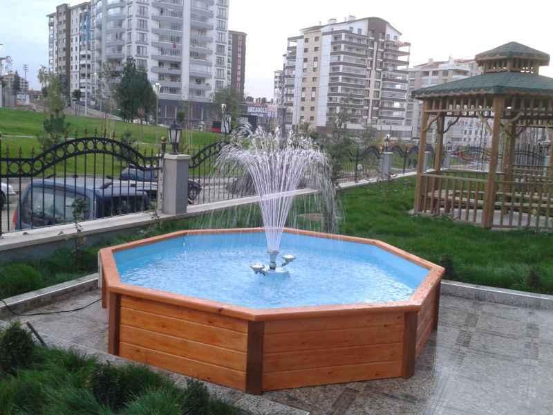 Böyle bir süs havuzu dinlenme alanını en az 2-3 derece serinletecektir.