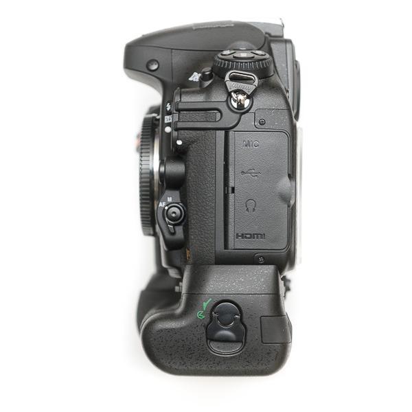 aaputure-BP-D12-Grip-Nikon-D800-6932