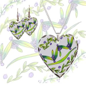 Dancing Green, Purple Vines, Grapes Zendoodle | Heart Necklace