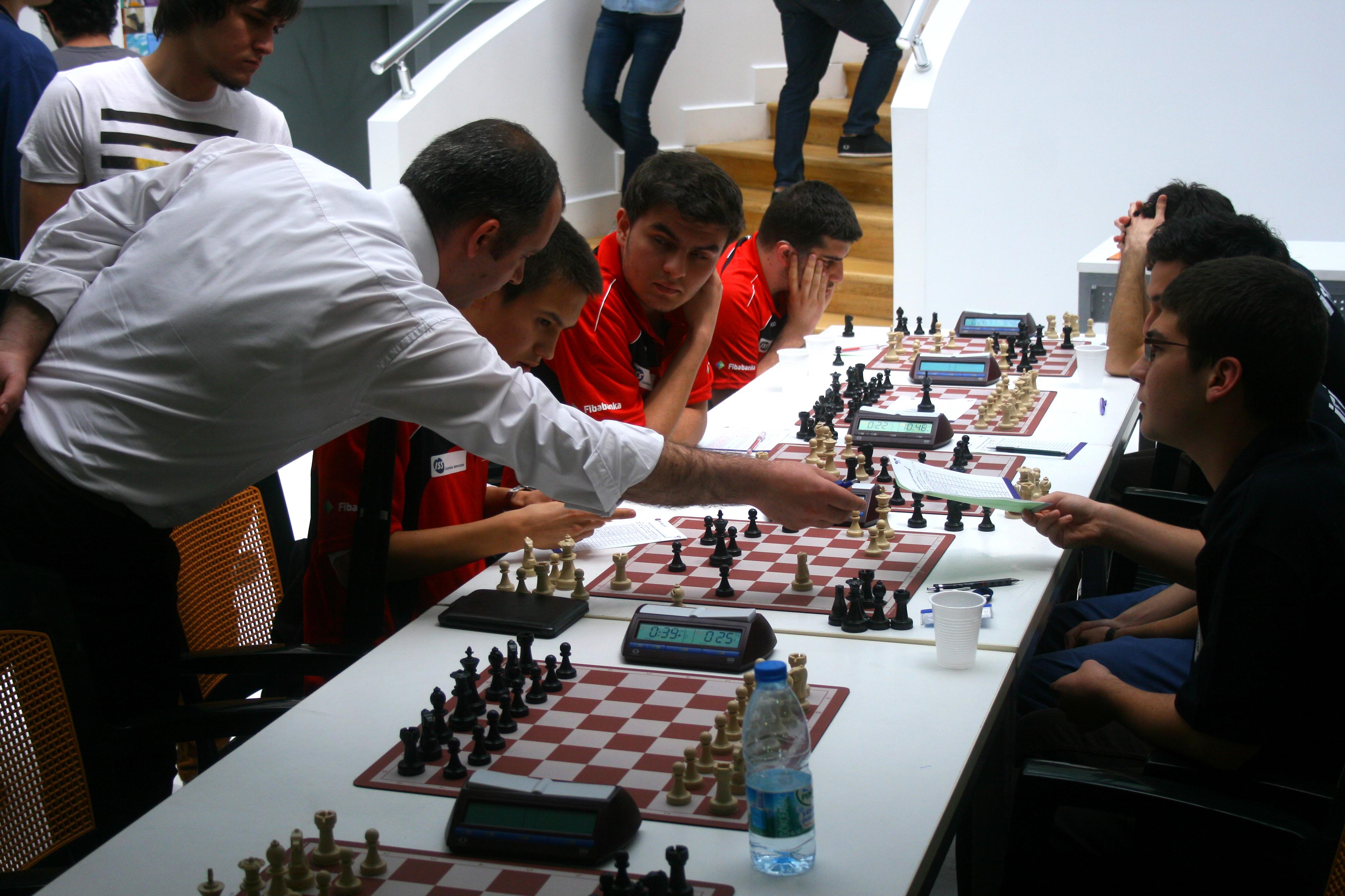 satranç oynayan öğrenciler ile ilgili görsel sonucu