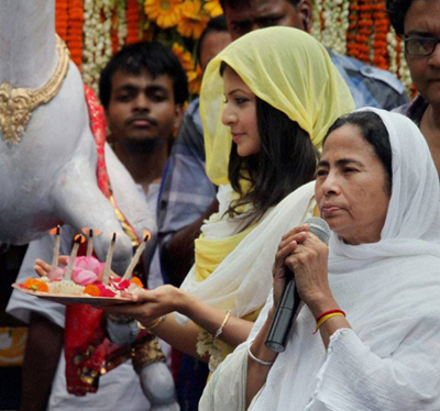 Mamata Banerjee inaugurates 42nd Kolkata Rath Yatra