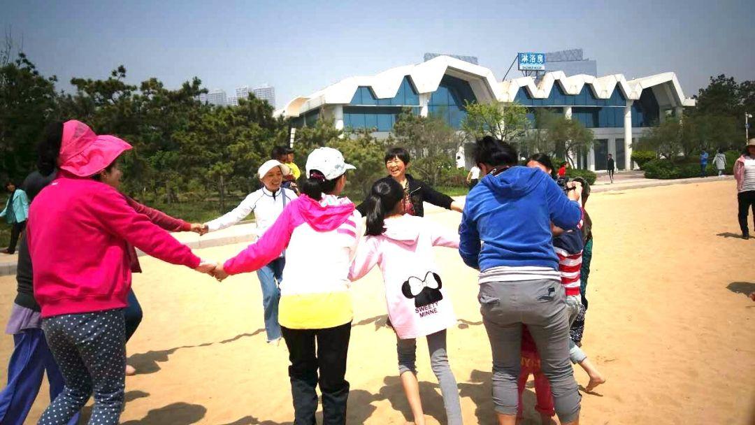 kirtana-qingdao-beach-3