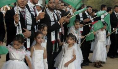 Le Coran autorise le mariage et la défloration de gamines impubères (Coran 65.4)…