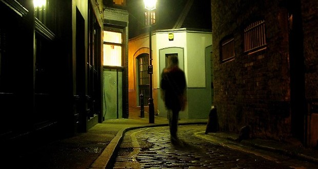 dark-alley_2627305b