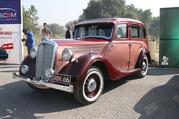 Vintage car at Islamabad Auto Show 2014