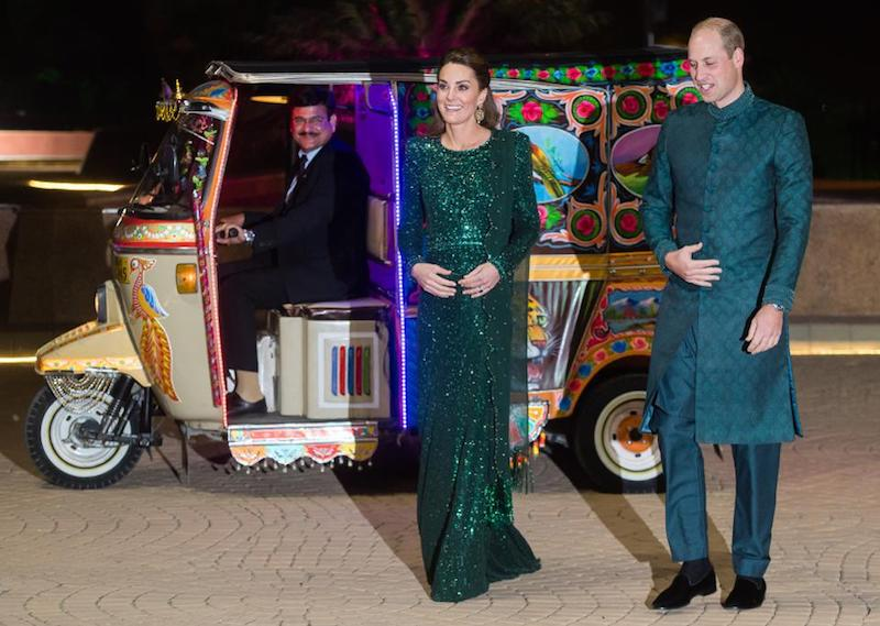 Prince William and Kate arrive at Pakistan reception in a rickshaw