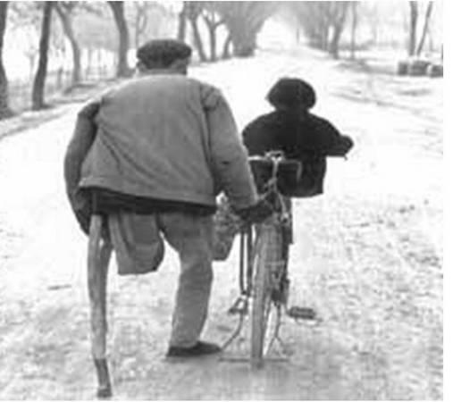 no leg man teaching bicycle ride
