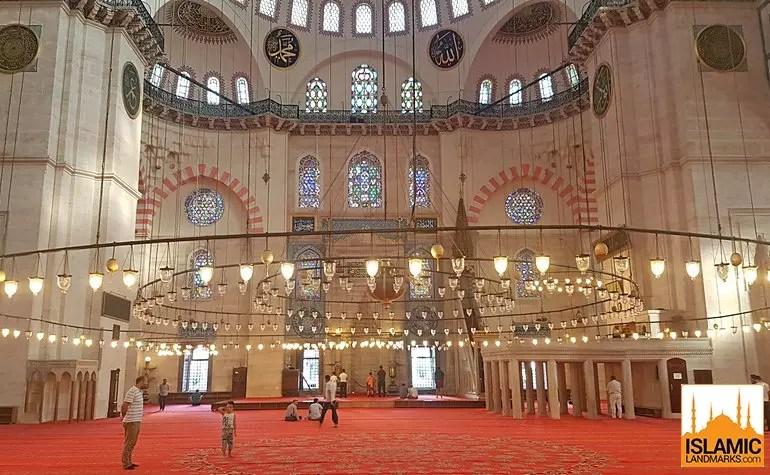داخل مسجد السليمانية