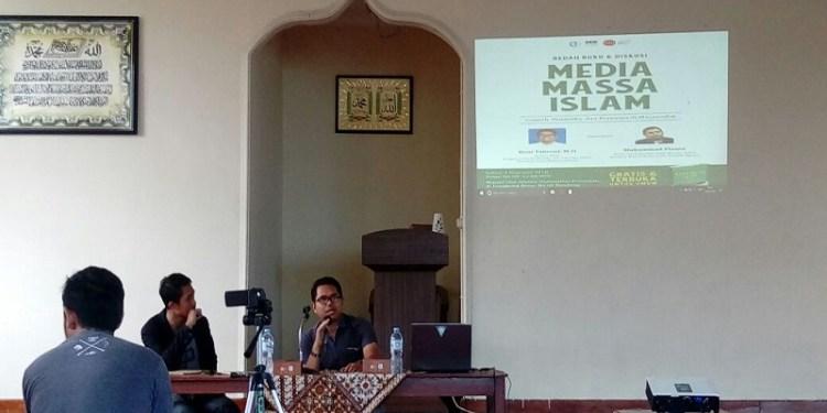 """Bedah buku """"Media Massa Islam"""", di Unpas Lengkong Bandung, Sabtu (03/02/2018). Foto: Tommy/Islampos"""